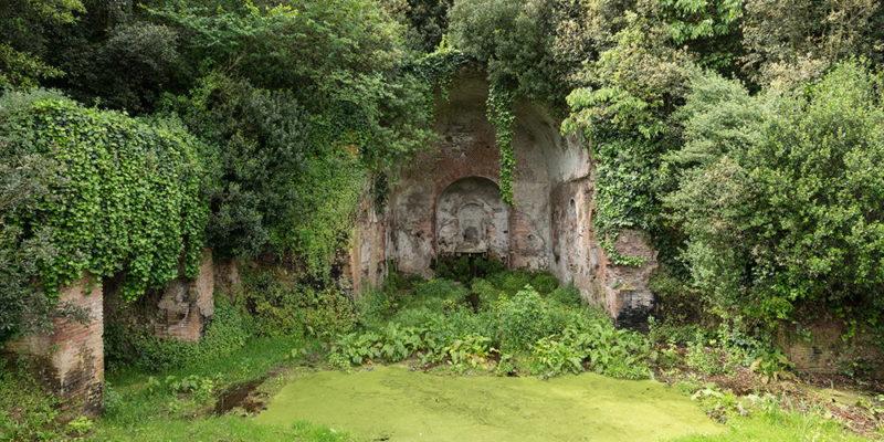 Il Ninfeo di Egeria nel Parco della Caffarella.