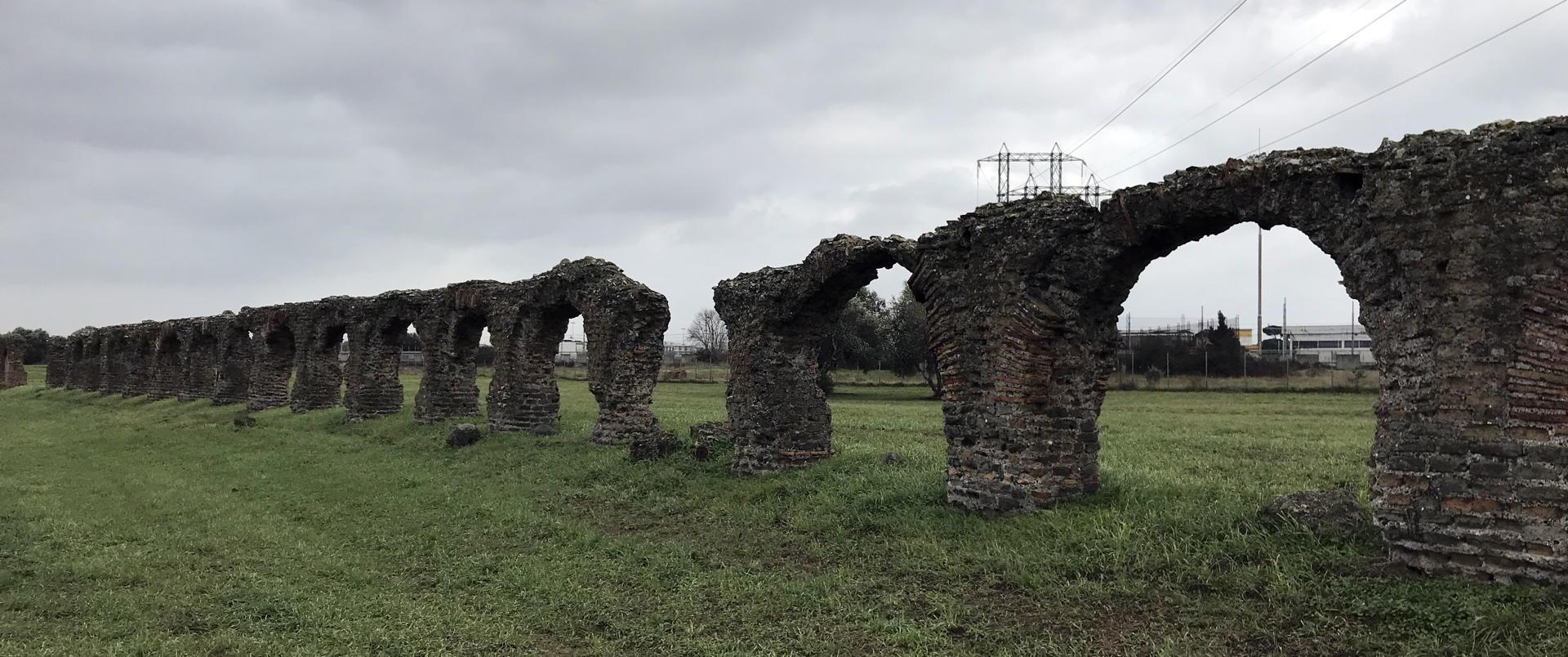 L'acquedotto della Villa.