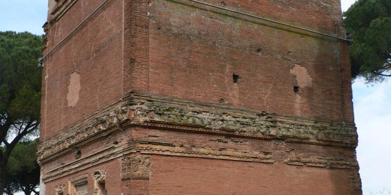Il cosiddetto Sepolcro Barberini. Vista esterna.