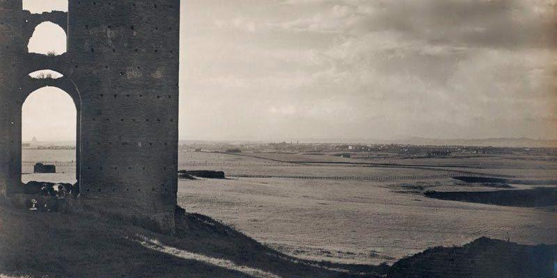 La Villa dei Quintili in una fotografia storica (Archivio PAAA, fine Ottocento).